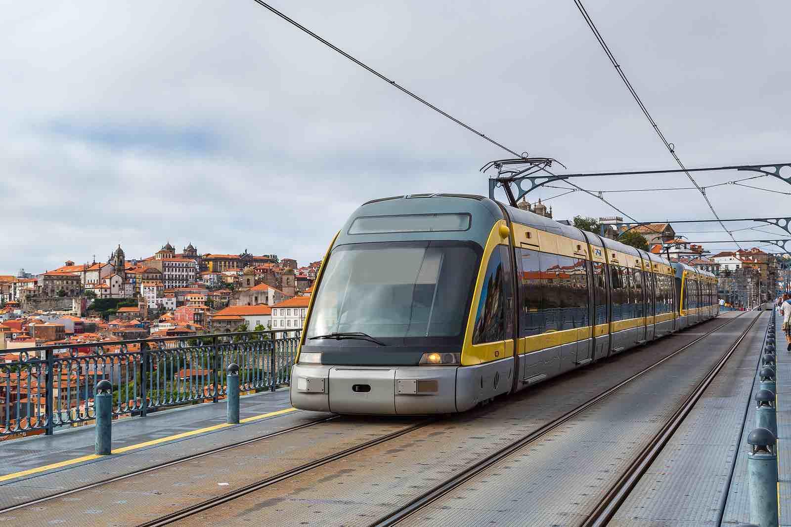 Como Economizar nos Transportes Públicos em Portugal?