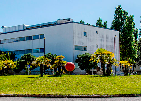 SUPERNOVA Programa Pré-Universitário da Universidade Nova de Lisboa para estudantes internacionais